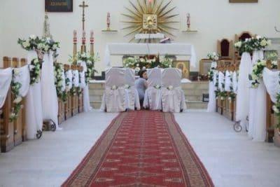 Dekoracja kościoła na ślub - galeria 471 400x267