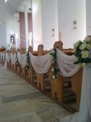 Dekoracja kościoła na ślub - galeria 472 300x400