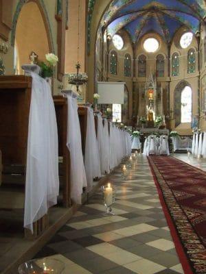 Dekoracja kościoła na ślub - galeria 474 300x400