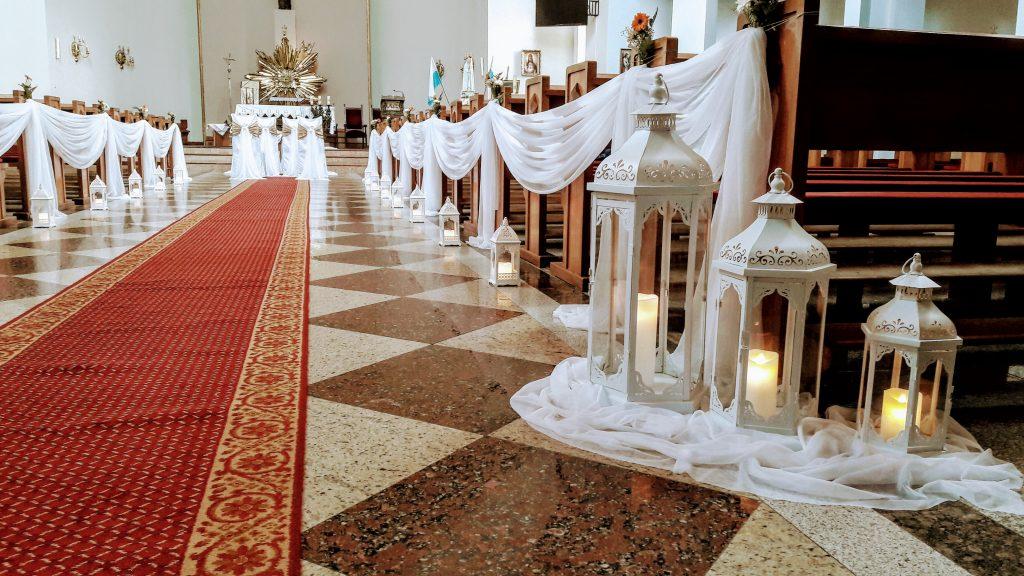 Dekoracja kościoła na ślub -  - 20171118 143816 1024x576