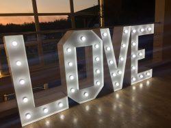 Napis LOVE na wesele i sesję zdjęciową - IMG 1084 250x187
