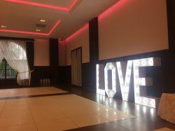 Napis LOVE na wesele i sesję zdjęciową - IMG 1822 250x187