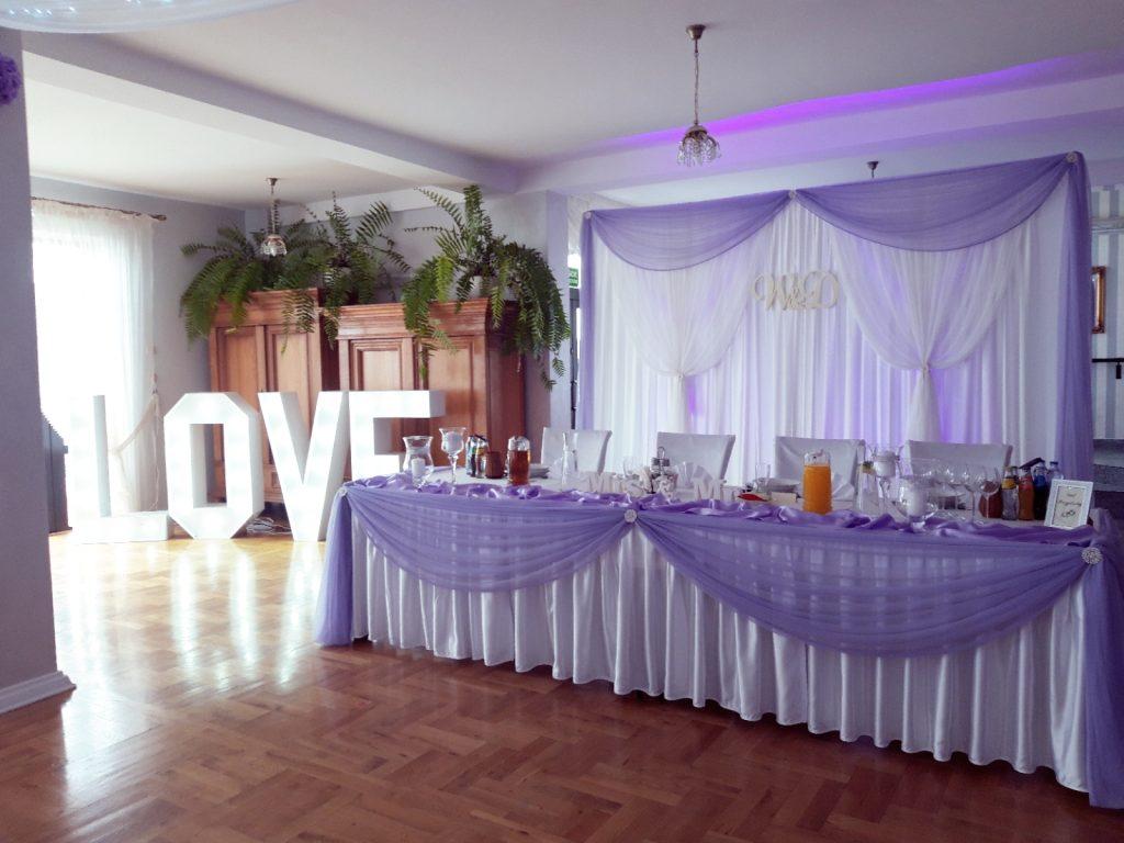 Napis LOVE na wesele i sesję zdjęciową - wypozyczenie-dekoracji, oswietlenie-dekoracyjne - 2019 08 12 22 33 11 885 1024x768