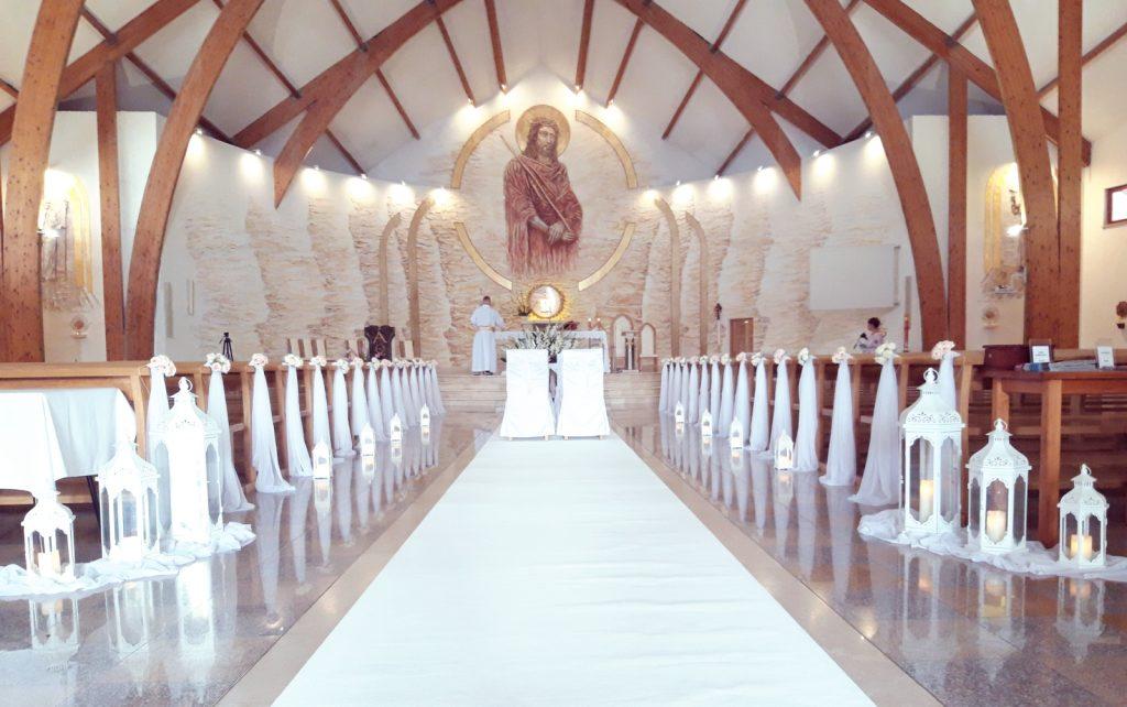 Dekoracja kościoła na ślub -  - 2019 08 12 22 36 08 078 1024x642