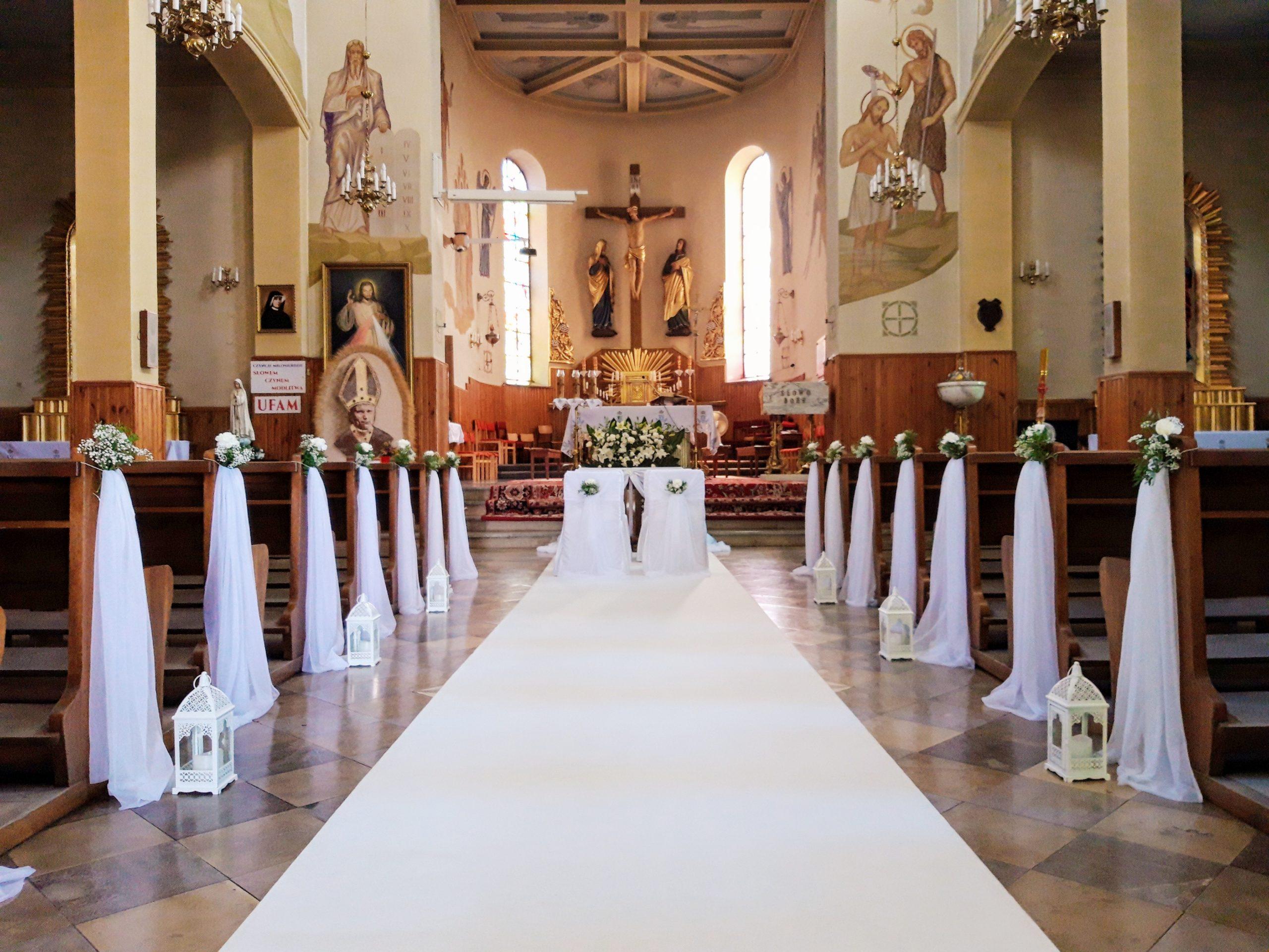 Biały dywan na Ślub