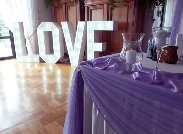 Napis LOVE na wesele i sesję zdjęciową - wypozyczenie-dekoracji, oswietlenie-dekoracyjne - 20200120 205654